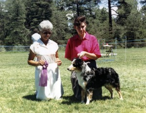 Abbi winning Winners Bitch under Judge Marge Cornell at NAASA, Payson AZ, 29 Jul 1990