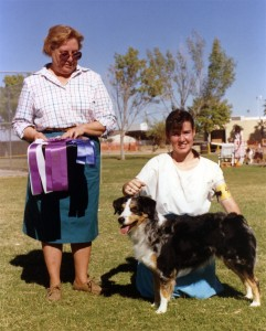 Abbi winning Winners Bitch under Judge Donna Allen at OPASC, Marana AZ, 11 Nov 1990