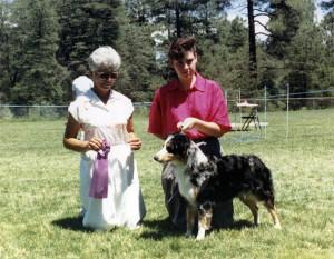 Abbi winning Winners Bitch under Judge Marge Cornell at NAASA, Payson AZ, 29 Jul 1990