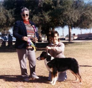 Meeka winning Reserve Winners Bitch to a major under Judge JoAnn Bishop at Desert Obedience, Mesa AZ, 4 Dec 1988