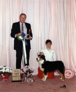 Meeka and Claire winning Best Junior Handler under ASCA Breeder Judge Dave Hill at the CRASC National Preshow, Sep 1990